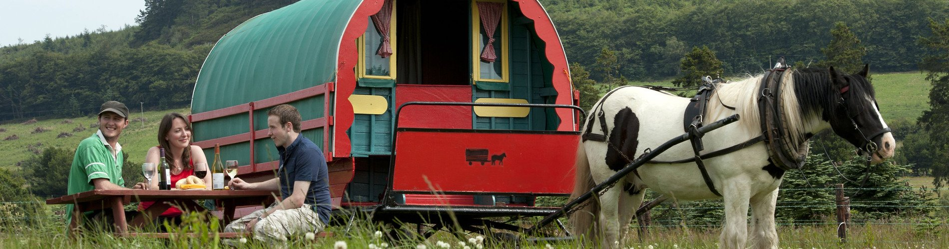Clissmann-Horse-Caravans-picnic-lunch-Ireland