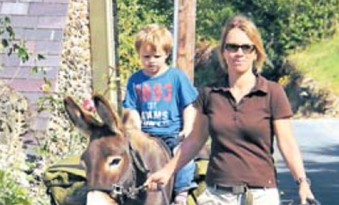 Clissmann Donkey Walking arcticle in RheinischePost